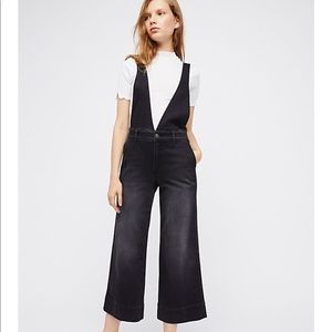 NWT $128 Free People A line overalls in black